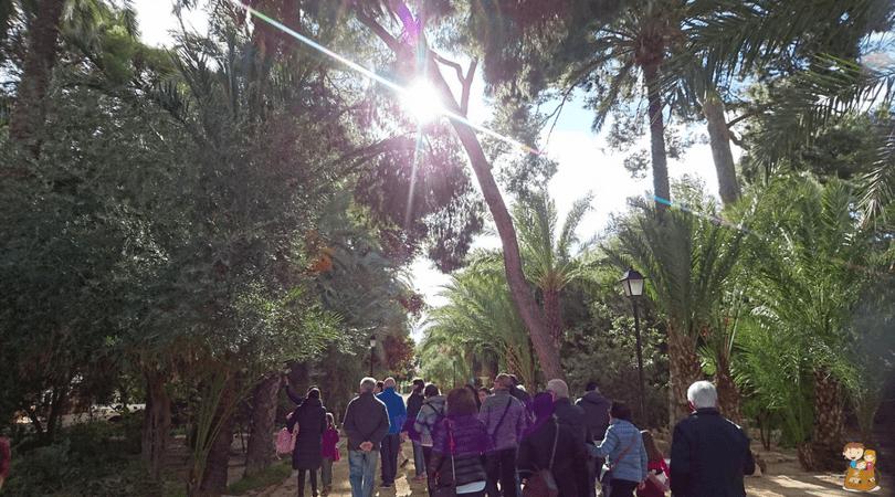 visita guiada a Villa Marco 5 con los niños en la mochila