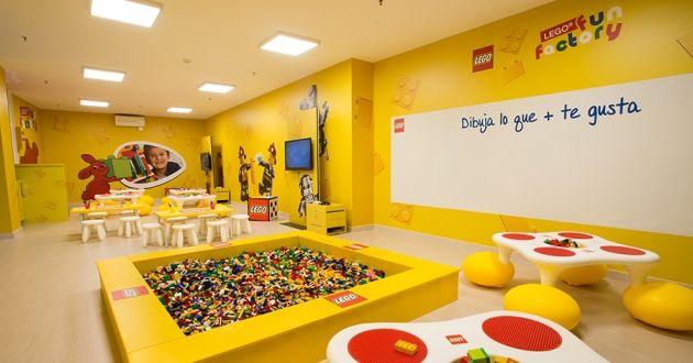 Ludotecas Lego en España Lego Fun Factory planes con niños