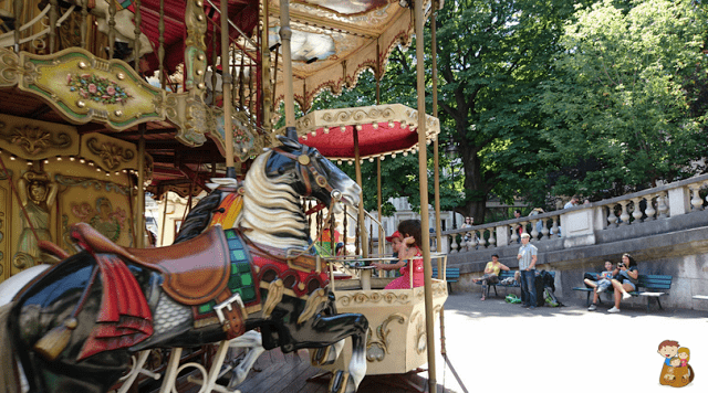viaje a paris con ninos que hacer en familia louvre tuileries montmartre amelie eiffel