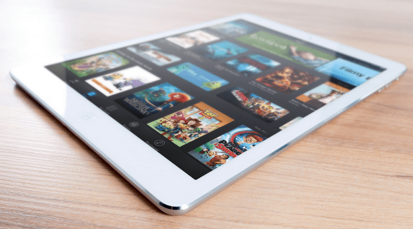 tablets entretener a niños y adolescentes en los viajes
