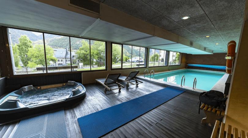 Casas com picinas casas com picinas los casas modernas for Casas con piscina interior fotos
