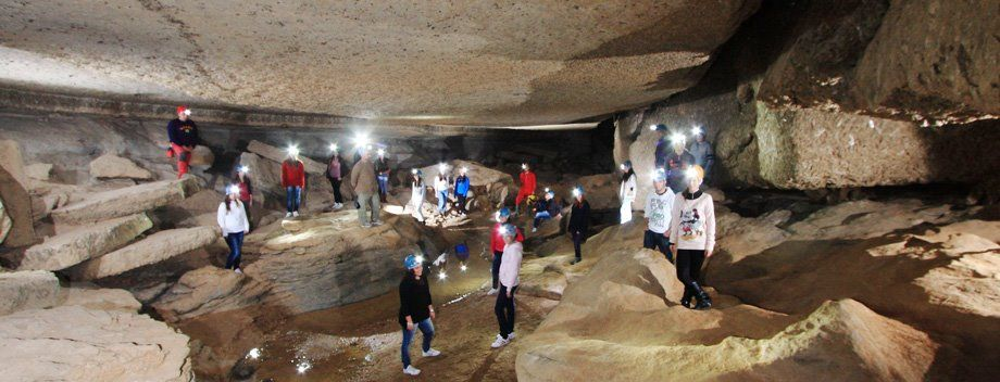 planes con niños en roquetas de mar cueva sorbas